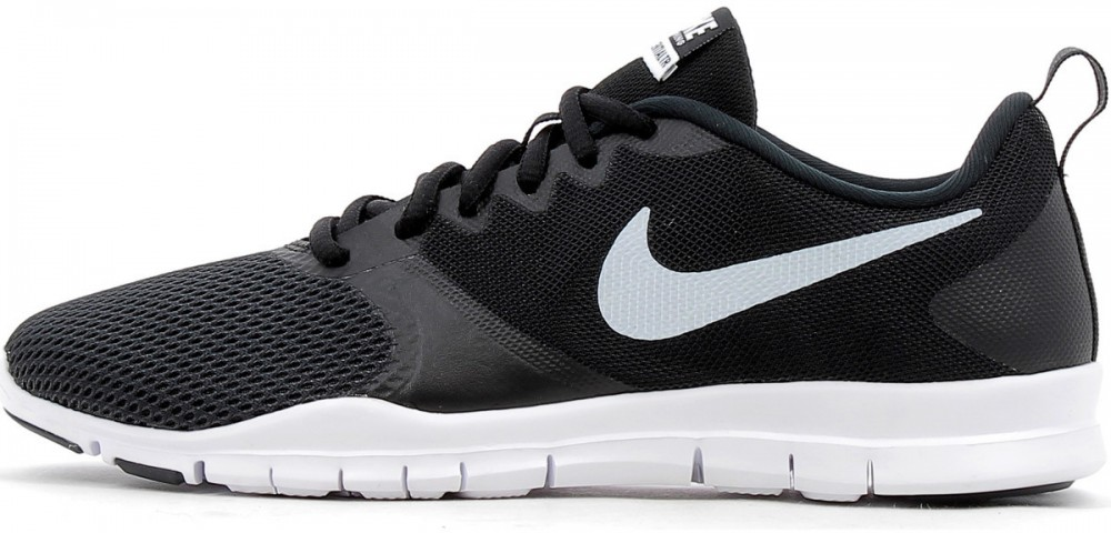 Nike Wmns Nike Flex Essential Tr Sport shoes in Black at