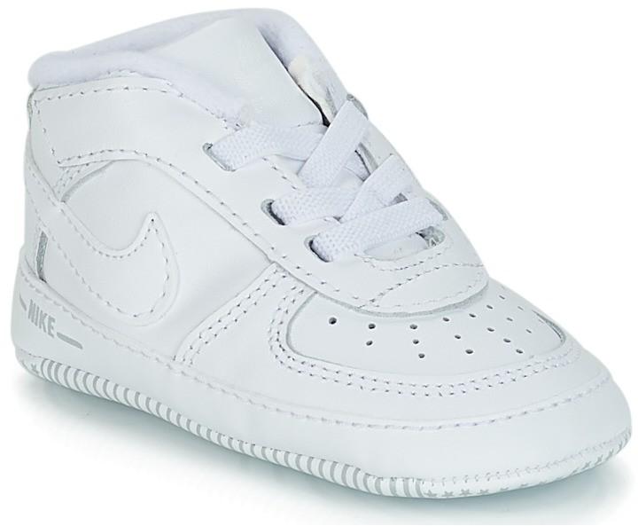 Magas szárú edzőcipők Nike AIR FORCE 1 CRIB BOOTIE. További Magasszárú  tornacipők 4e68af0ecf