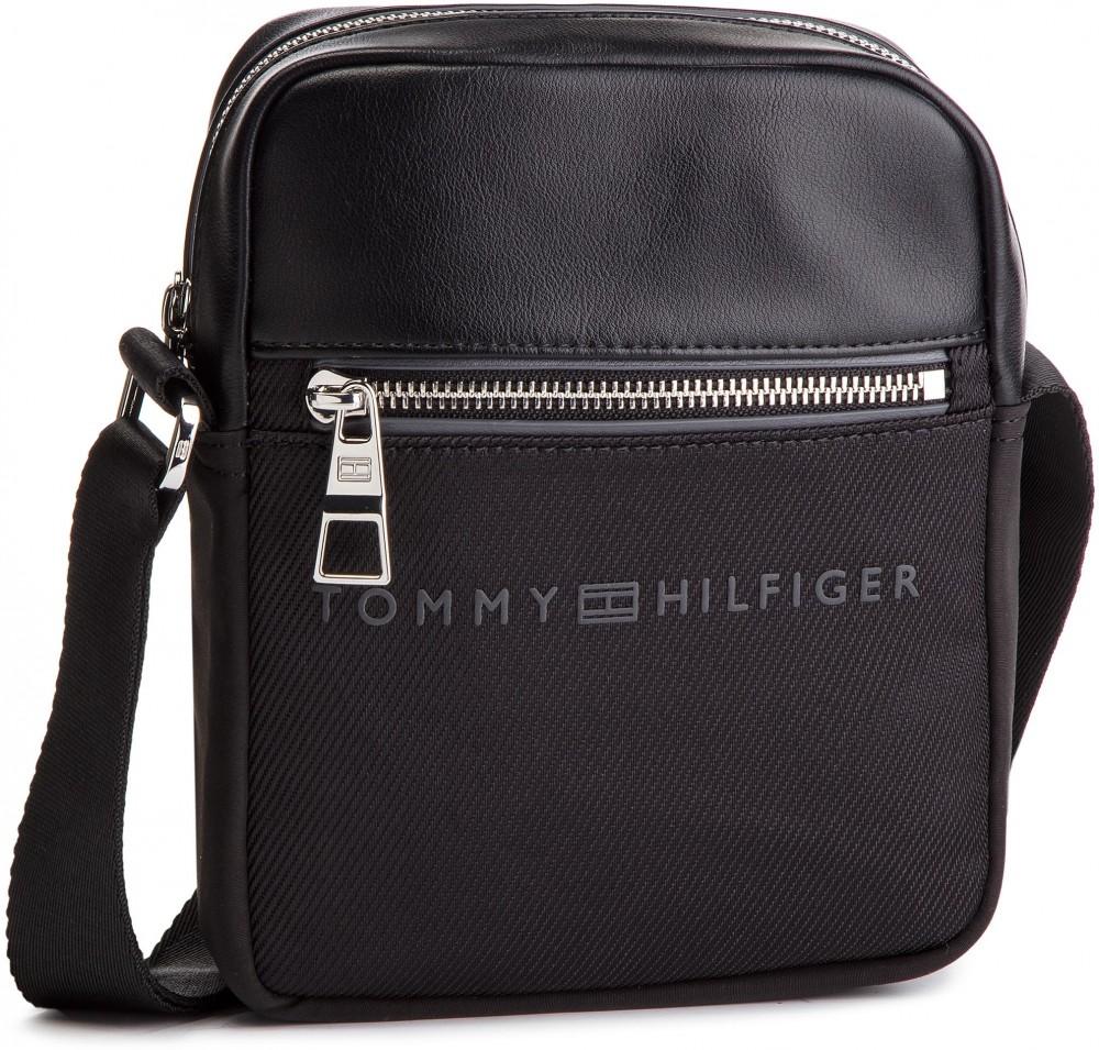 Válltáska TOMMY HILFIGER - Urban Novelty Mini Reporter AM0AM04248 002. 1.  További Oldaltáskák. Tommy Hilfiger. Sport Mix Mini Crossbody táska. 935f685dbc