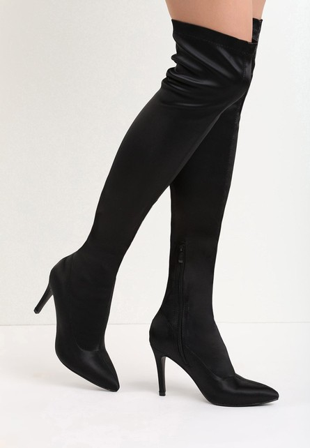 Yeva fekete magassarkú csizma - Styledit.hu 5084209100