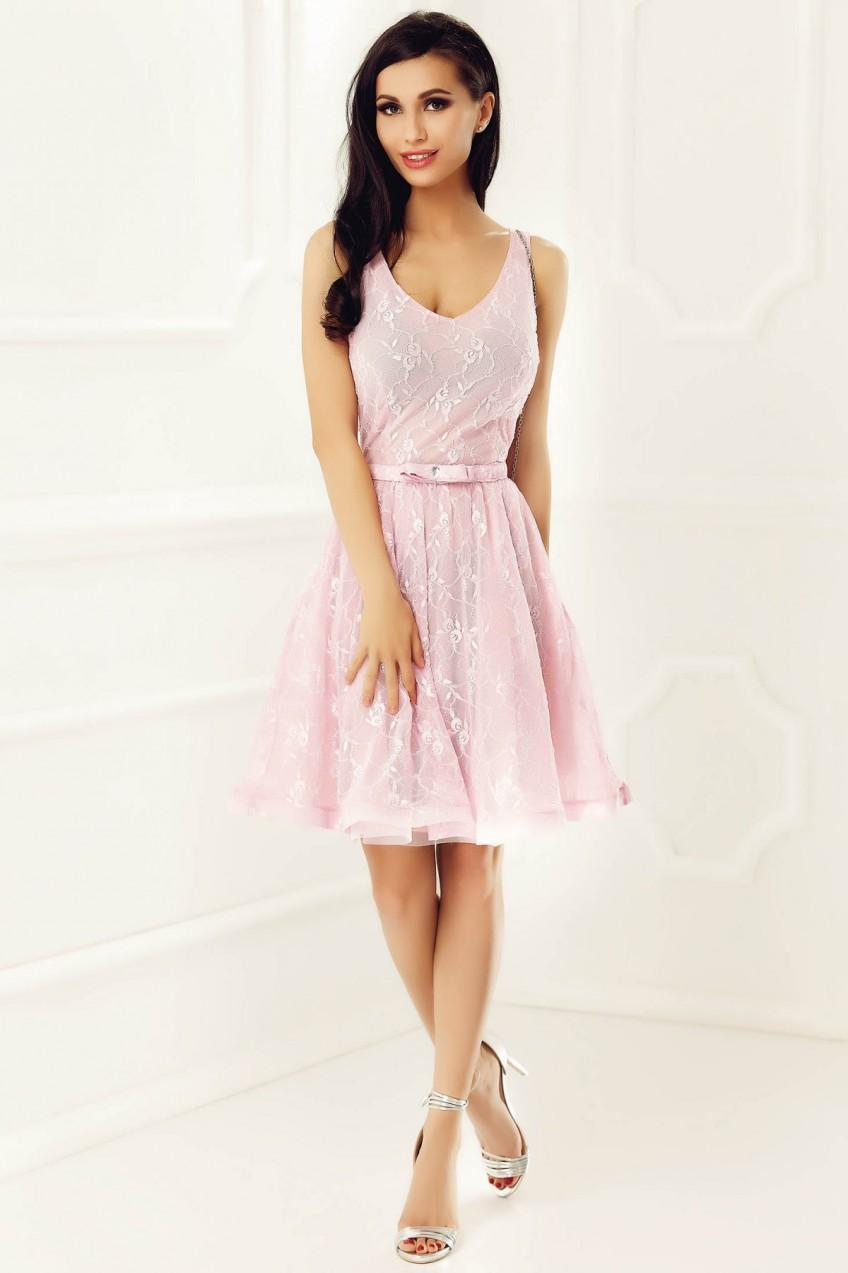 Rózsaszínű StarShinerS alkalmi harang ruha csipkés anyagból belső béléssel  flitteres díszítés 97494e7342