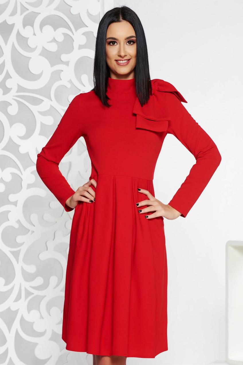 45f868de82 Piros elegáns harang ruha enyhén rugalmas anyag masni díszítéssel ...